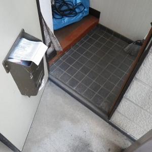 玄関の被害例