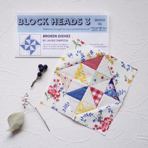 Moda Block Heads 3 36枚目を縫いました(*^^*)