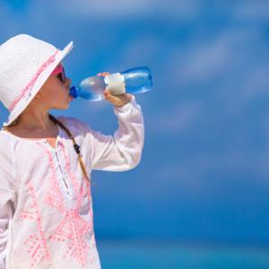 水分補給のやり方ひとつでニキビができにくい体質にできます。