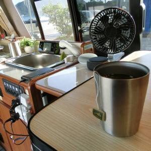波のBGMをバックに車内朝食とティータイム【RVパーク】で