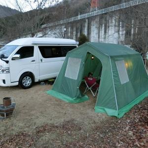 周りがざわつく?「昭和のテント」でレトロなキャンプ!
