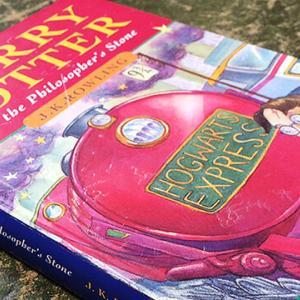 ハリーポッター初版本の価値が【3万倍】⁉