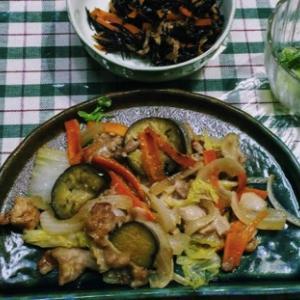 旬野菜の簡単野菜炒め献立。