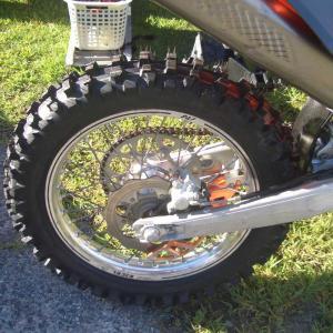 何が何でも新品タイヤ