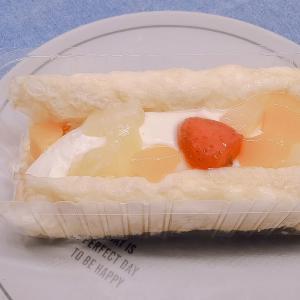 フルーツ好きにおすすめ!ファミマ「3種のフルーツのふんわりオムレット」の口コミとカロリーです♪