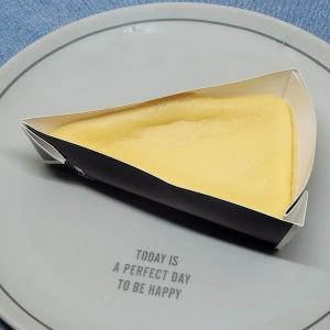 糖質わずか9.8g!ローソン「なめらかベイクドチーズケーキ」の口コミとカロリーです♪