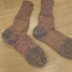 登山用靴下を編む