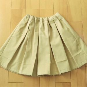 【子供服】いすずさんのソフトチノで『女の子のシンプルでかわいい服』タックスカートを作りました