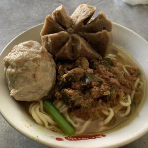 バリ人も大好きな滅茶苦茶美味しいME BAKSO(ジャワ島ラーメン)&ダブレットオパールリング