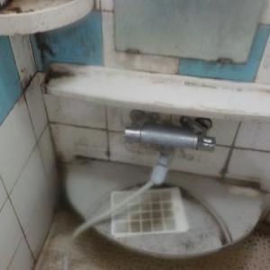 浴室のカビ取り(鹿児島市の浴室クリーニング)