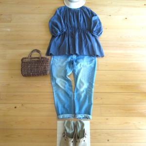 夏と秋がまじりあう庭と、 街へ出る 今日の服