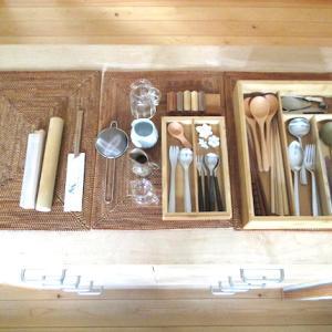食器棚の整理と、ほどほどの 暮らし