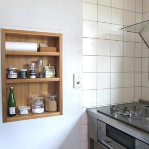 夏休みの片付け・・キッチンの壁に作ってよかった!小さな棚