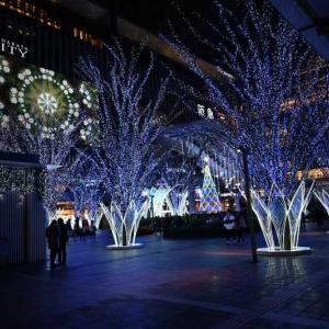 JR博多駅(博多口)の駅前ライトアップ