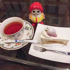 江差町の蔵カフェ「壱番蔵」でショートケーキなぞ食べよる