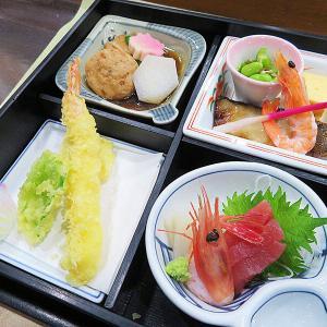 ホテル函館ロイヤル「きたまえ船」で松花堂弁当でも食べようか
