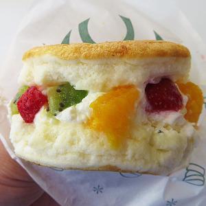 函館 「gram(グラム)」のプレミアムフルーツサンドが美味い