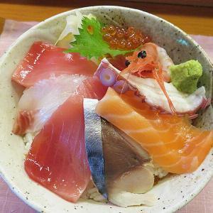 八雲駅前「二海庵」の生ちらしが新鮮すぎて美味しすぎて