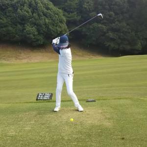 ゴルフに行ってきました。