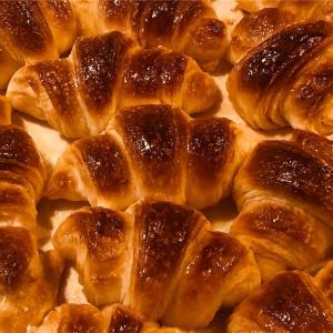 【男の手料理】ホームベーカリーのパン生地で焼くクロワッサンのレシピと作り方
