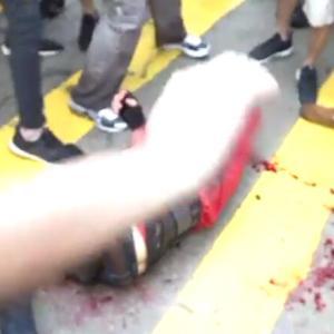 【観覧注意】中国による香港人への攻撃激化 市民は火だるま,警察への攻撃,ジャーナリストから証拠取り上げetc...中国を支持出来ますか?