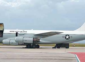 【朝鮮半島】米特殊部隊用輸送機に加え放射能偵察機も日本海(東海)に展開 米空軍の放射能物質収集用特殊偵察機が韓半島上空を飛行