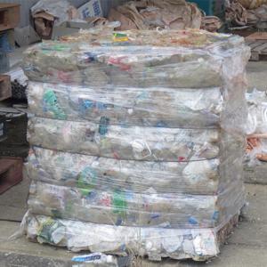 中国韓国から流れついた漂着ペットボトルで衣料品製造へ
