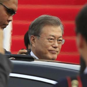 【韓国・文大統領】19日に国民対話=100分間生放送 選定した国民300人が手を挙げて自由に質問する形で