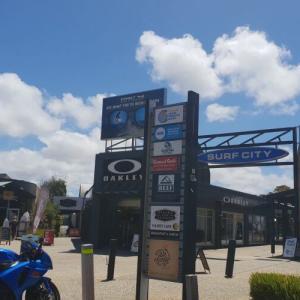 オーストラリア発サーフブランドの故郷にあるサーフシティプラザ