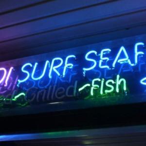 """名物 """"揚げマーズバー"""" が食べられるボンダイビーチ のフッシュ & チップス店 Bondi Surf Seafood"""