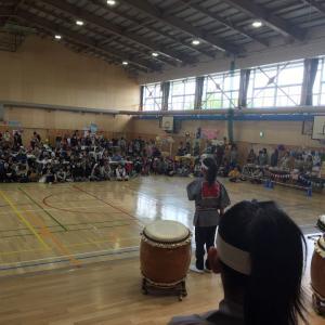 共栄小学校で演奏しました!