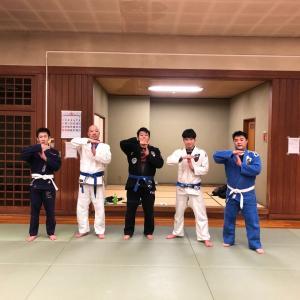 昨日2月26日(水)は『練馬区立総合体育館』にて6人で基礎運動+テクニックたくさん+スパーリング! 東京都練馬区TOYATT柔術練習会