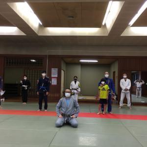 7月23日(木・祝)練習再開後8度目の練習会でした。感染予防対策をして『組む練習』も15分だけやりました♪             東京都練馬区TOYATT柔術練習会