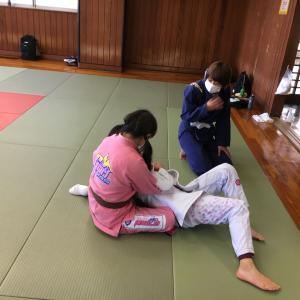 明日12月5日(土)は練習日です。午前中に良い汗を流して午後も有意義に過ごしましょう!予約制です。感染予防対策にご協力ください。  東京都練馬区TOYATT柔術練習会