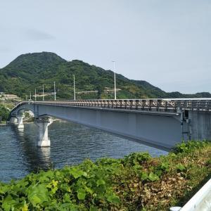 梅雨の晴れ間の九島大橋