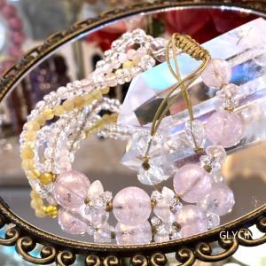 淡いピンク色とイエローの天然石で♪フリフリ揺れるドレスみたいな新作パワーストーンブレスレット②