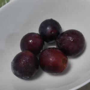 冷凍ブドウをカレーに入れると、ジュウシーで美味い