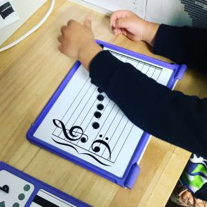 マグネットボードで音を覚えよう♪【横浜市神奈川区 ピアノ教室】カンターレ音楽教室