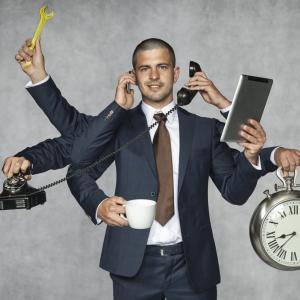時間に追われる人と時間に追われない人の特徴とは?