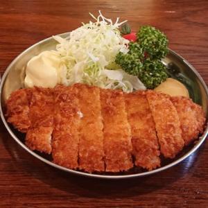 【月輪】名物のカミカツも!お一人様限定の料理が選べる1300円の「晩酌セット」で一人飲み