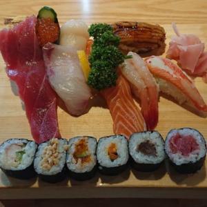 【大船鮨】二十四軒の予約必須店!ネタのデカさがハンパない1000円台のランチ寿司「にぎりセット」が凄い!