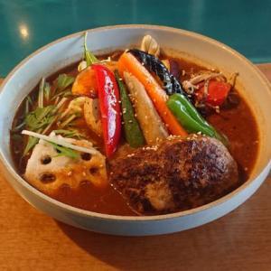 【キッチン グリズリー】運営元は八百屋でたっぷり野菜!手稲に出来たヒグマの系列店で一人スープカレー