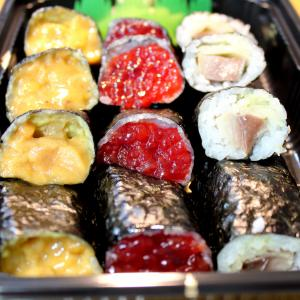 圧倒的すじこ量!三九寿司【青森県青森市】食べて応援!テイクアウト飯
