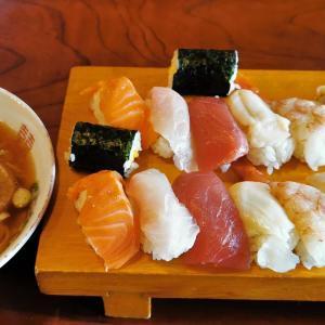 米ロードに乗ってやよい寿司で800円の寿司セット!食後、松島本店でシュークリームを買う!