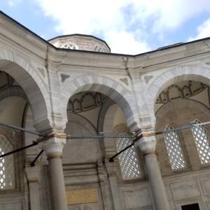 ヌールオスマニィエ・ジャーミーとFehmi Bey Hotelの屋上からの景色