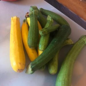 #フランス  #アルザス #夏野菜 はカラフルで美味しいものが多くて嬉しい。先日の巨大ズッ...