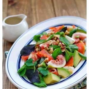 《お知らせ》コラム公開『夏の疲れを癒してくれる♪肌にうれしい食材と絶品レシピ』