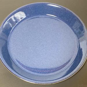 ニトリの『プレート デニム(21cm)』が濃い青色でオシャレ!
