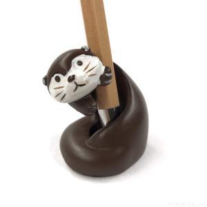 100均キャンドゥのカワウソ『ペンスタンド』が可愛いペン立て!