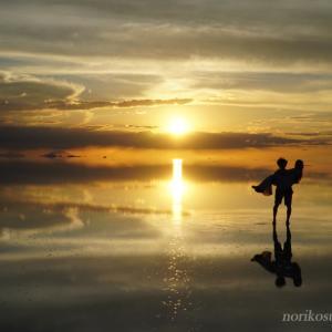 ここは天国!?最高に美しいウユニ塩湖の絶景とトリック写真!!